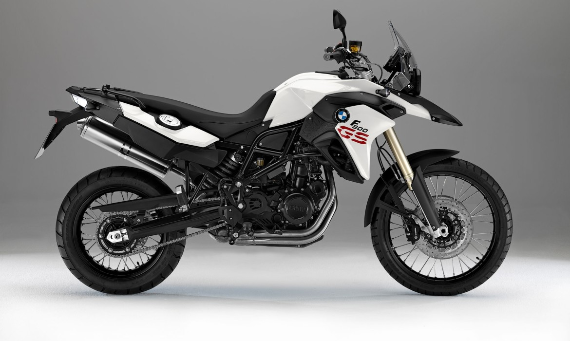 BMW Gets Sportier, More Naked with F 800 R - autoevolution